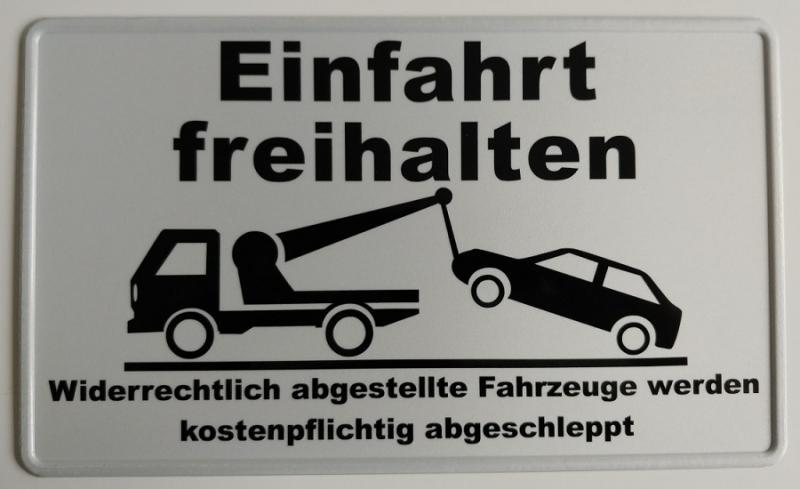 https://www.kennzeichenshop24.de/mediafiles//kunden/Parkplatzschild-reflektierend-Einfahrt-freihalten_1627539226.jpg