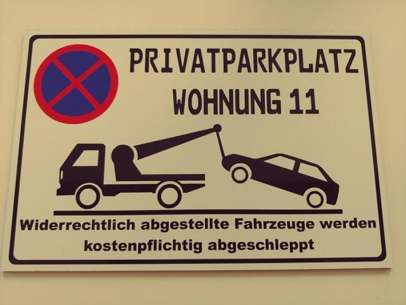 https://www.kennzeichenshop24.de/mediafiles//kunden/Parkverbotsschild-Wunschtext1603786234.jpg